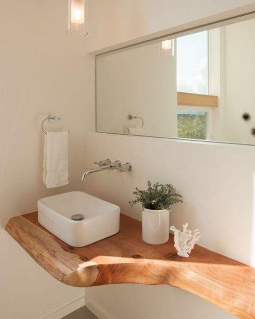 Holz im Bad bringt Opulenz und Wärme mit, verlangt aber Pflege