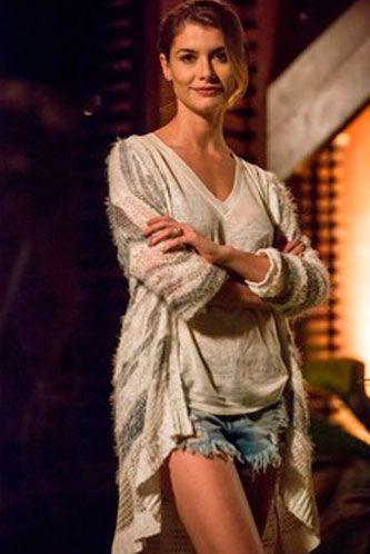 Diana (Aline Moraes) Rock Story figurino