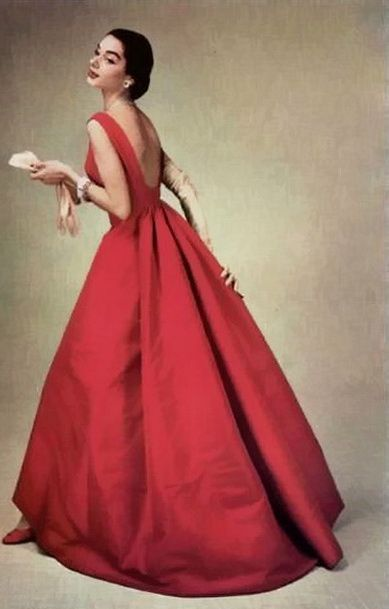 Givenchy 1956 This is perfect! Vintage lady in red dress evening gown