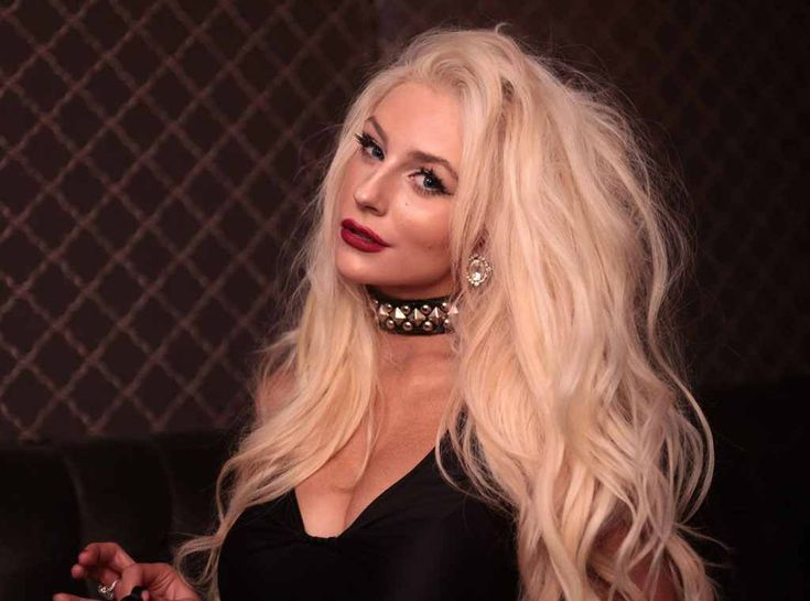 Courtney Stodden Wears Revealing Outfit to Lunch with Mystery Man #BeverlyHills, #CelebrityBigBrother, #CourtneyStodden, #Date, #DougHutchison, #Husband, #Outfit celebrityinsider.org #Fashion #celebrityinsider #celebrities #celebrity #rumors #gossip