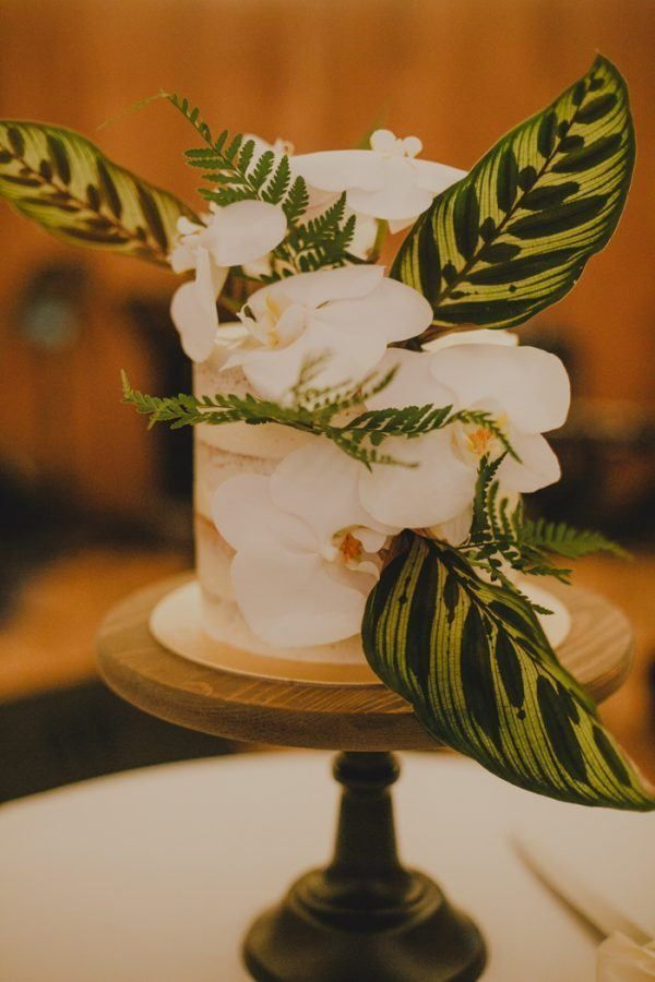 Tropical Wonderland Wedding at The White Rabbit in Singapore | Junebug Weddings