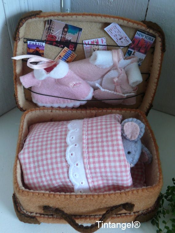Travel Mouse with suitcase – girl. DIY kit