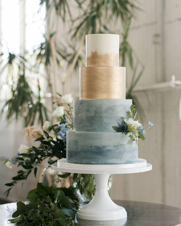 Follow @cake_wedding for amazing cake insp Photo @flourandflourish #wedding #weddingcake