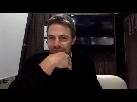 STEPHEN AMELL LIVE CHAT ABOUT ARROWVERSE CROSSOVER https://youtube.com/watch?v=Q0Gub6Blujk