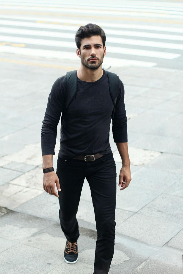 casual style all in black