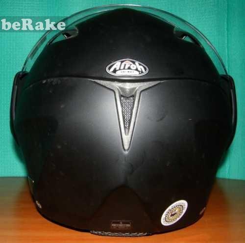 Vendo Articulos motocicleta:vendo casco negro modular de la marca airoh talla s (55-56) con apenas uso y en un estado impoluto. sus especifi...