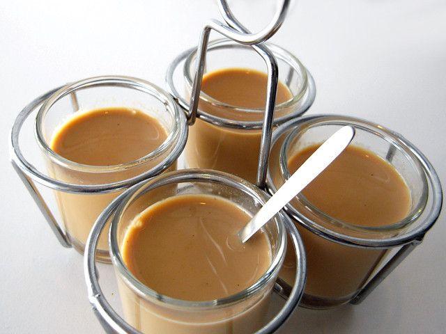 インドのミルクティー「チャイ」には「冷えとり」だけでなく、消化促進、リラグゼーション効果のあるスパイスがたくさん含まれています。 5種類のスパイスで作るオリジナルのチャイマサラのレシピをご紹介します。