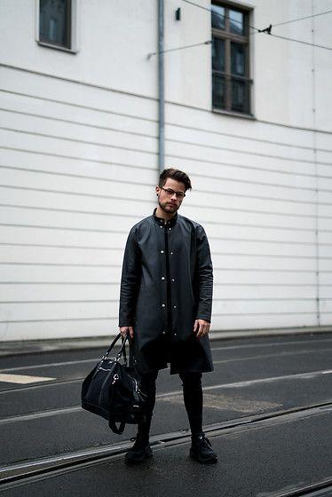 Weekend bag Jordan worn by Kevin Elezaj.  More looks by Kevin Elezaj: http://lb.nu/kevinelezaj