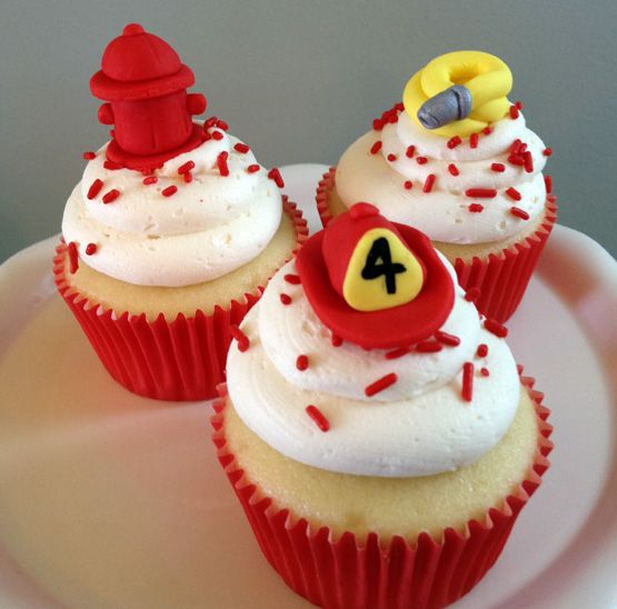 Firefighter-Themed Buttercream Cupcakes | Shared by LION