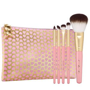 Too Faced - Teddy Bear Hair 5 Piece Brush Set #sephora. Cruelty-free brush set from my favorite make-up brand. <3
