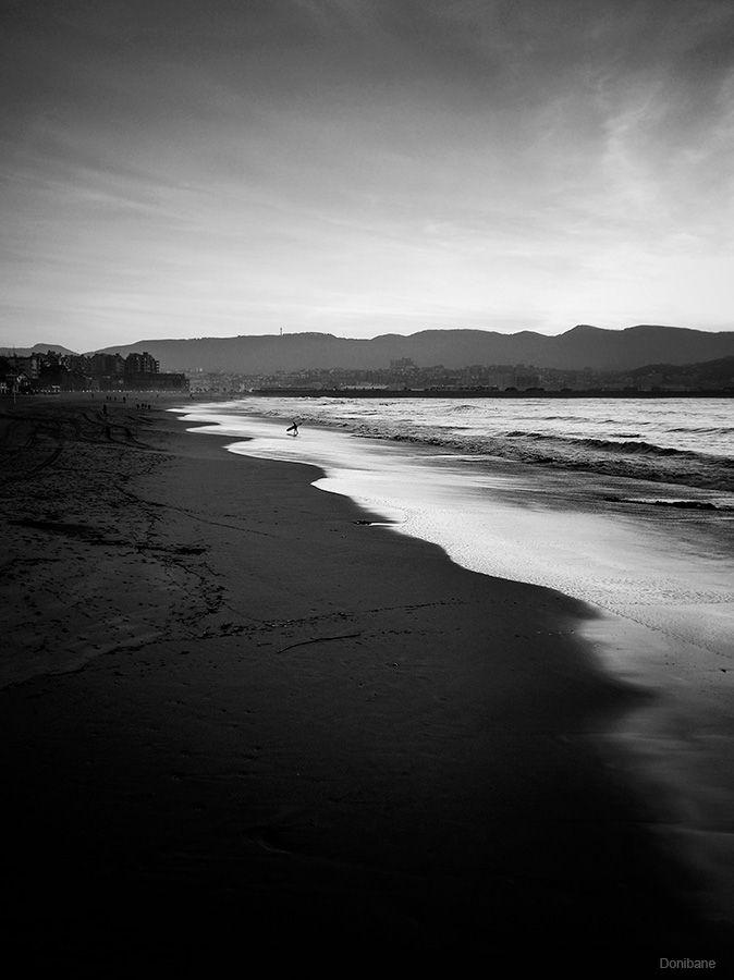 Ereaga Beach in Getxo, by Donibane