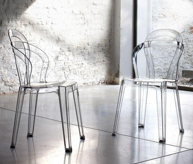 Sedia moderna in policarbonato, scegli fra le colorazioni disponibili quella che fa al caso tuo! Ideale per ogni tipo di ambiente!