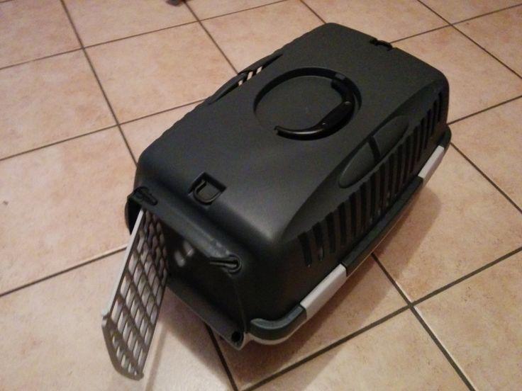 Caisse transport pour chat ou petit chien. Location caisse transport chat et chien à Epagny (74330) - www.placedelaloc.com