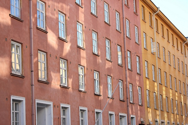 The windows: Lantinen Pitkakatu (West Longstreet), Turku, Finland