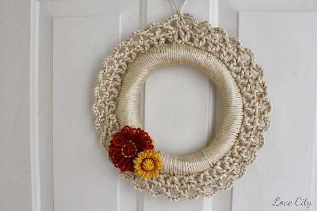 crochet fall wreath, diy, crochet pattern, tutorial, by Love City Blog
