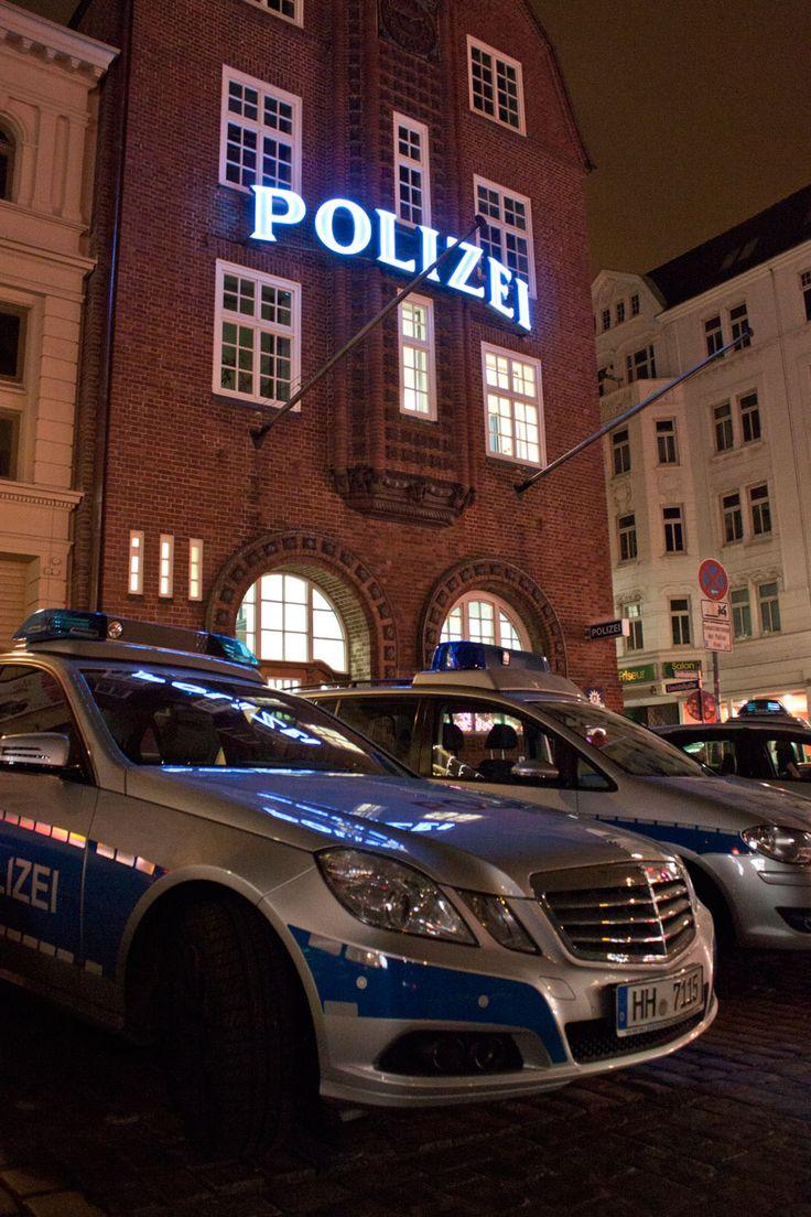Hamburg-St.Pauli, Davidwache. Mit nur 0,92qkm das kleinste Reviergebiet Europas, und die berühmteste Wache Deutschlands.