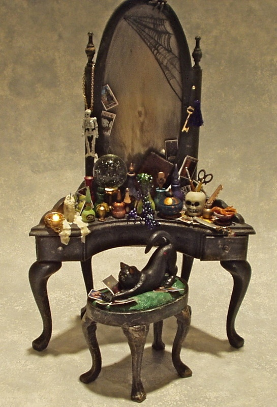 One of these minature models would be soo beautiful on a #Halloween mantle display :)  Haunted & Weird - Patricia Paul Studio
