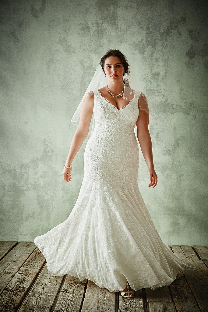 "Your Jaw Will Drop When You See Who Made These Gorgeous ""Plus-Size"" Wedding Gowns: Finding a stylish and affordable wedding dress can definitely be a challenge."