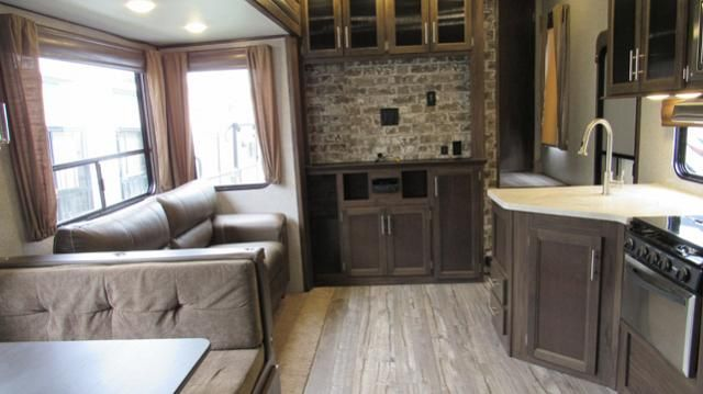 Used 2018 Cherokee Arctic Wolf 315tbh8 5th Wheel With Bunks 1 5 Baths And Outdoor Kitchen Arctic Wolf Outdoor Kitchen Bunks