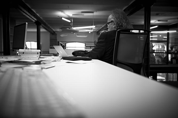 Chuuuuut Didier prépare son prochain planismarque … #agence #publicite #creation #advertising #agency