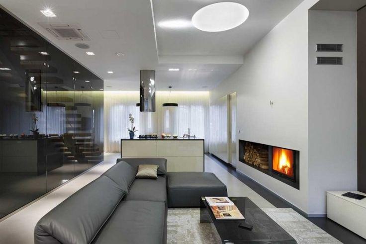 offener Wohnbereich mit Sitz- und Essbereich