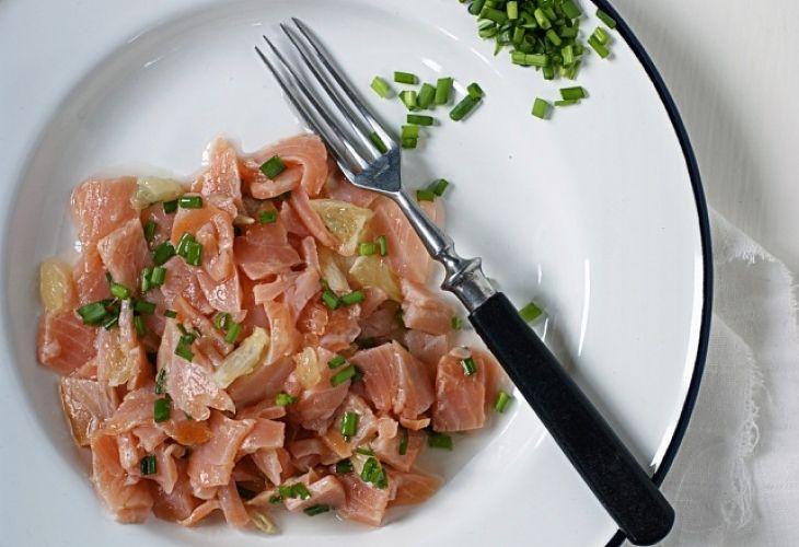 Salsa z wędzonego łososia - Przepis - Fooder.pl - Twoje wszystkie ulubione przepisy w jednym miejscu!