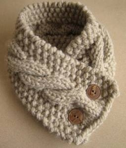 knit scarf- i want this one! It would be great for winter..and wear it with a top-knot bun.