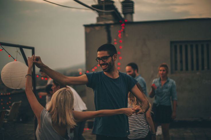 No matter how big the city or widespread the salsa craze, there's one maddening trend for self-proclaimed morning people: It seems like salsa classes are always in the evening.