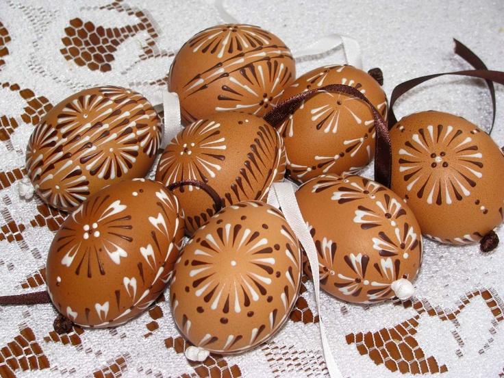 Přírodní vajíčka malované voskem