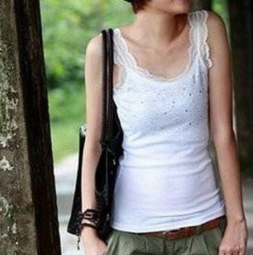 Amazon.co.jp: ビジュー付 レースネックタンクトップ レディースファッション (ホワイト): 服&ファッション小物
