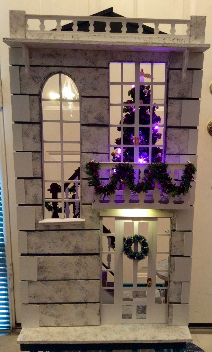 """Kathy K's """"A Hallway for All Seasons"""" designed by Ron Mummert decorated for Christmas -exterior"""