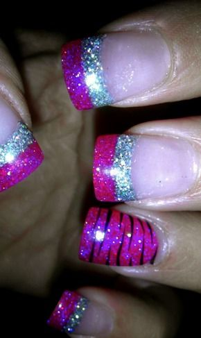 pink and silver nails <3