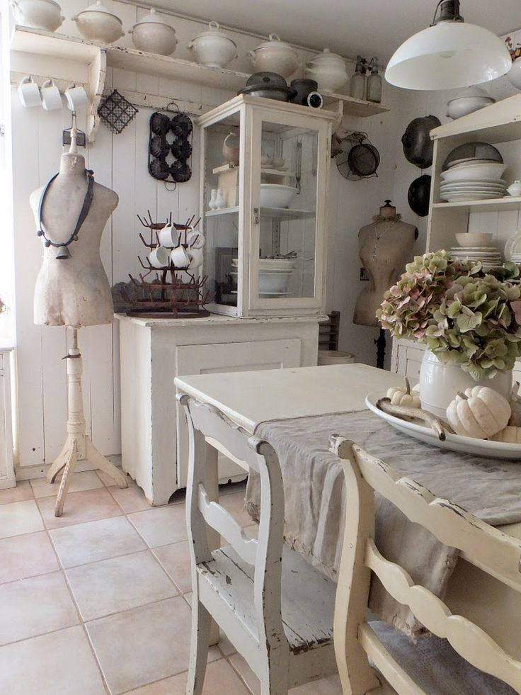 43 best images about Shabby chic on Pinterest | Brocante, Irvine ...