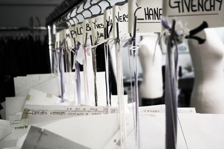 #fashion #handmade #madeinitaly #unomaglia #dressmakers #backstage  cartamodelli designer nell'azienda Unomaglia in toscana