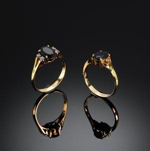 Lauritz.com - Ringar - Par safir og diamantringe (2) - DK, Herlev, Dynamovej