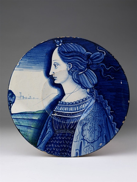 Plate Deruta, Italy, ca. 1520-25 Tin-glazed earthenware painted with colours V, C.2181-1910