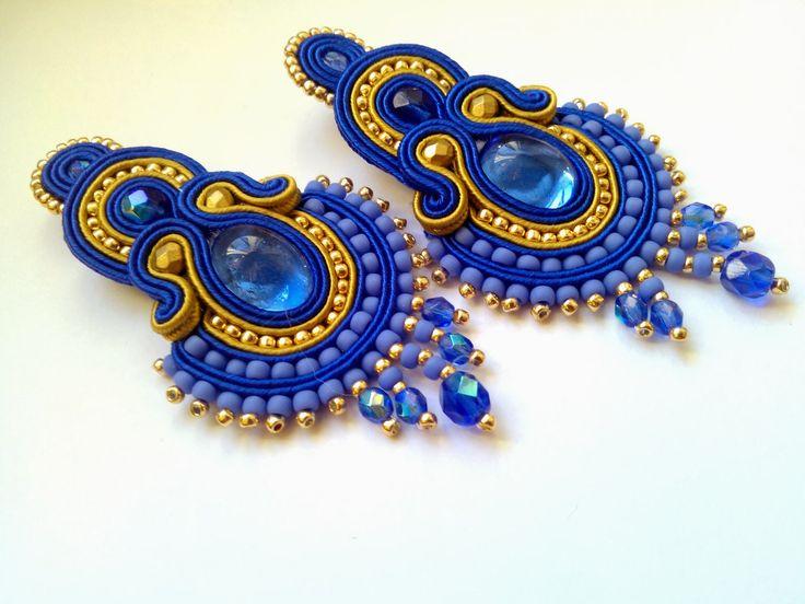 boucles d'oreilles bleu nuit