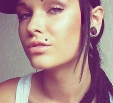 monroe piercing <3