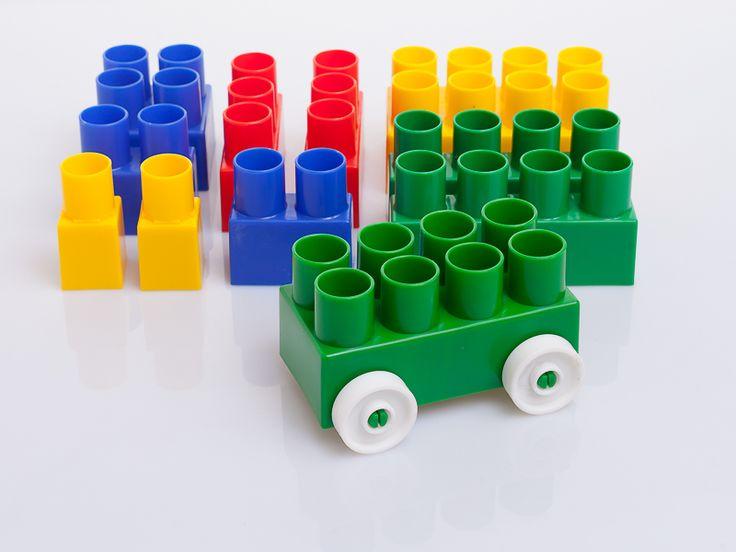 Quieres construir con bloques a escala de un ladrillo tradicional ? armar figuras para compartir en familia y con otros niños ? conoce nuestros CREABLOCKS ! Creaplast S.A.S http://www.creaplast.co/sitio/contenidos_mo.php?it=626