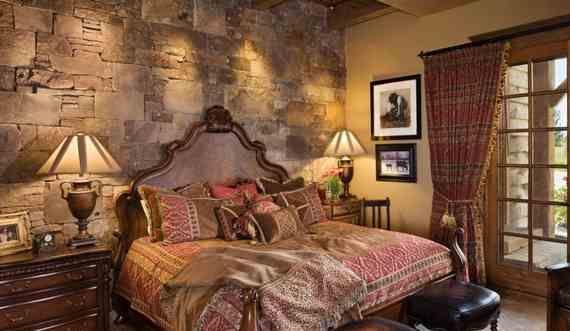 Интерьер спальнив средневековом стиле замка