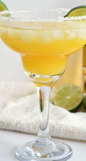Mango Margarita Recipe ~ refreshing and super simple to make