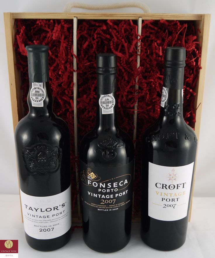 Mixed case of  #Taylor Croft and Fonseca #vintage #port. An ideal #present