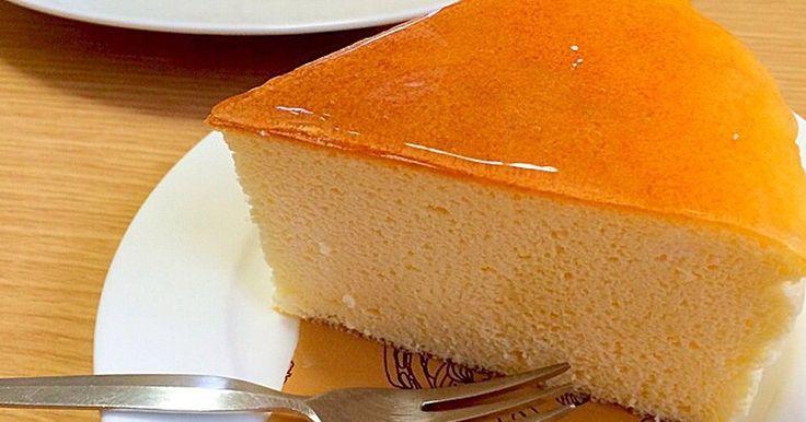 ワンホール当たりの糖質は8g程度です。糖質制限でも本格的なスフレチーズケーキが出来ました。あっさり後引くおいしさです。