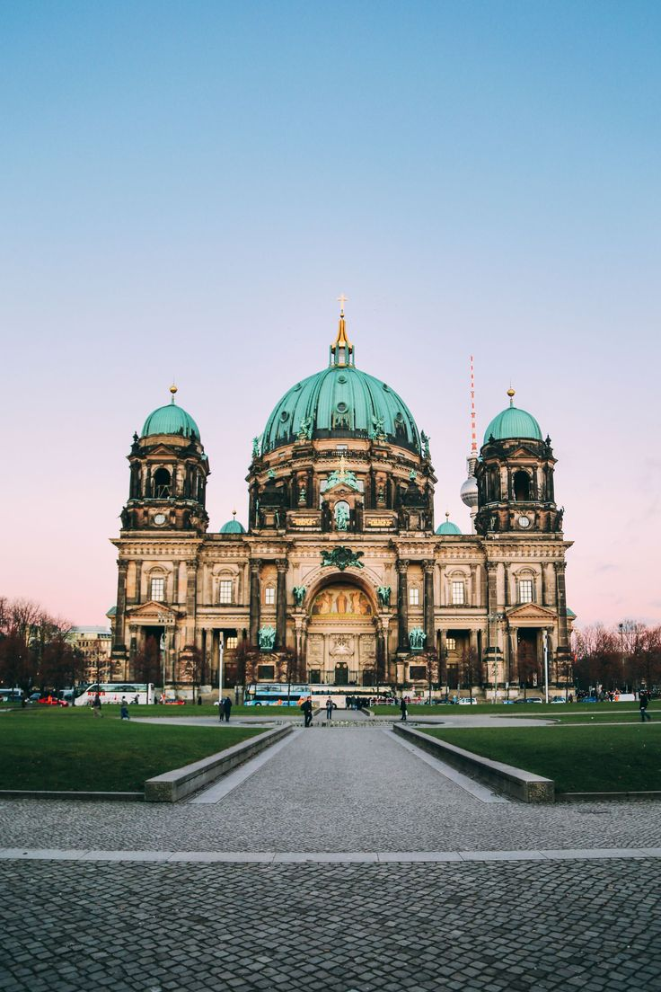 17 Sights to See On A First Time Visit To Berlin, Germany - Travel, Travel Advice - Berlin, Europe, Germany -Travel, Food and Home Inspiration Blog with door-to-door Travel Planner! - Travel Advice, Travel Inspiration, Home Inspiration, Food Inspiration, Recipes, Photography