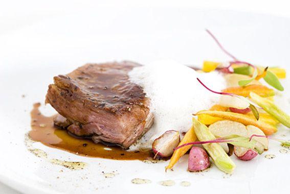 Paleta de Cordeiro com Tubérculos Assados, receita da chef Helena Rizzo - Superchefs.com.br | Chefs de cozinha