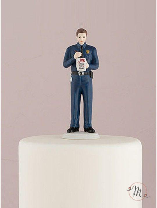 Cake topper - Sposo poliziotto.personalizzabile!  Abbinalo alla sposa che preferisci.  Misure: 16 cm. #caketopper #cake #topper #wedding #matrimonio #weddingideas #ideasforwedding #figurastartanuptcial #hochzeitcaketopper #weddingday