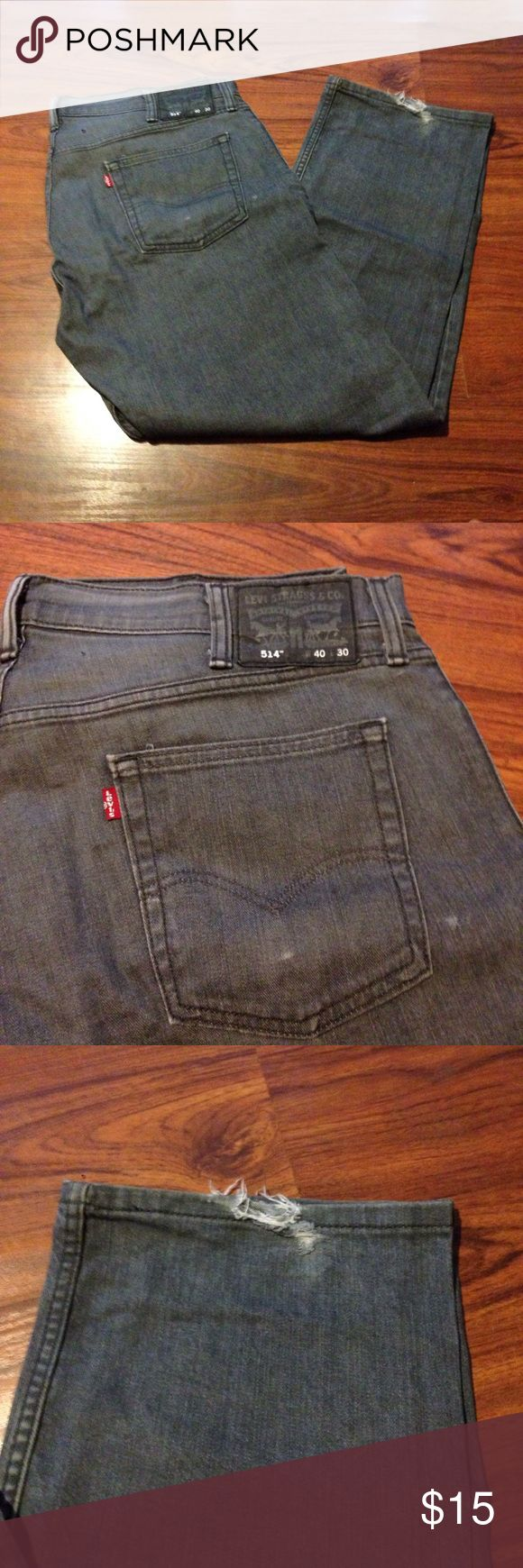Levi's 514 40x30 black jeans grey jeans Some distressing. No staining. Grey black charcoal color. Levi's Jeans Relaxed