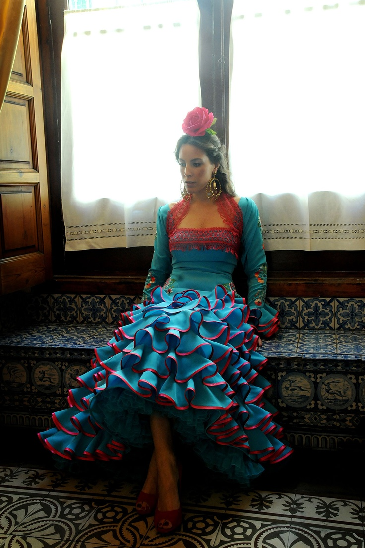 ANDALUCÍA IS FASHION  ABC  Lina. the emblematic brand name designer from Seville has dressed, throughout her fifty years of history, among many others, the Quenn, the duchess of Alba, Grace Kelly...
