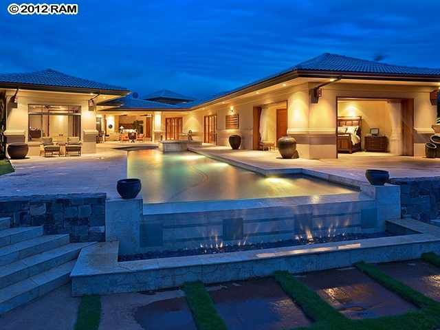 36 best images about amazing hawaii homes on pinterest for Big amazing houses