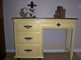 Great site where a woman displays her furniture revamps   – Honey Do Projects